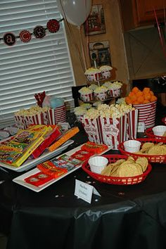 Unique and creative birthday party ideas for kids of all ages. Birthday pictures of handmade home birthday parties, DIY decorating, party food… Movie Night For Kids, Movie Night Party, Movie Nights, Party Fun, Girls Night, Super Party, Party Snacks, Party Favors, 13th Birthday Parties