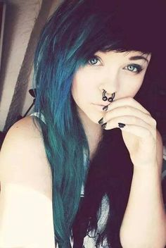 jasmine) hey im 19 years old im single i have no friends if u wanna be friends come say hi