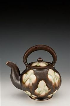 Linda Sikora, one of my favorite potters, and one of my favorite tea pots