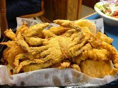 Blue Crab Recipes, Fish Recipes, Seafood Recipes, Seafood Meals, Fried Blue Crab Recipe, Lobster Recipes, Yummy Recipes, Keto Recipes, Soft Crab