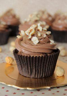 Cupcakes de Nutella http://dulcesentimiento.com/nutella-cupcakes/