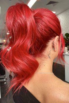 Bright Red Hair Dye, Dyed Red Hair, Bright Hair Colors, Hair Dye Colors, Cool Hair Color, Red Colored Hair, Ruby Red Hair Color, Red Hair Streaks, Red Hair Pale Skin