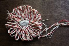 I'm working on a special project for which I needed a flower loom . So I've taken a flower making detour, and it's been fun. Loom Flowers, Twine Flowers, Fabric Flowers, Bakers Twine, Flower Crafts, Flower Making, Yarn Crafts, Hair Bows, Tatting