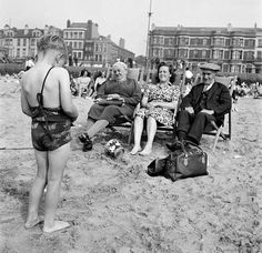 From Punch and Judy to Donkey rides at the beach, these pictures show just how much British summer has changed since the Retro Pictures, Old Pictures, Old Photos, British Seaside, British Summer, Blackpool Uk, British Holidays, Preston Lancashire, St Anne