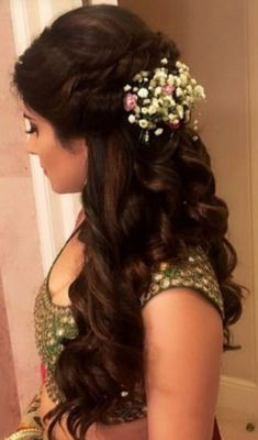 Indian Bridal Wedding Hairstyles for Short to Long Hair wedding engagement hairstyles 2019 wedding engagement hairstyles Indian Bridal Wedding Hairstyles for Short to Long Hair wedding engagement hairstyles 2019 Bridal Hairstyle Indian Wedding, Bridal Hairdo, Hairdo Wedding, Long Hair Wedding Styles, Wedding Hairstyles For Long Hair, Trendy Hairstyles, Wedding Makeup, Bridal Hairstyle For Reception, Indian Hairstyles For Saree