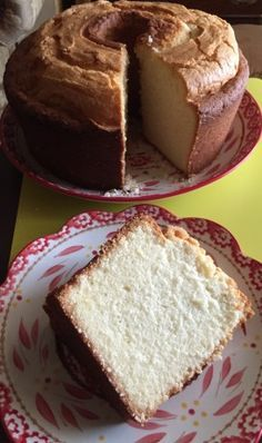 My grandmother's tried and true recipe for the BEST old-fashioned pound cake. No fail delicious and easy pound cake recipe. Pound cake is a dessert that will fit many occasions which makes it an all time favorite. Just Desserts, Delicious Desserts, Dessert Recipes, Yummy Food, Almond Pound Cakes, Pound Cake Recipes, Best Pound Cake Recipe Ever, Cream Cheese Pound Cake, Bundt Cakes