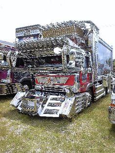 Japanese Dekotora Big Rig Trucks, New Trucks, Custom Trucks, Custom Cars, Japanese Cars, Japanese Style, Classic Auto, Classic Cars, 4x4 Accessories