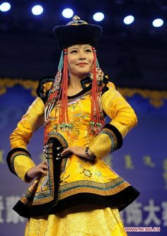 Mongolian costume contest kicks off in N China (6) - People's Daily Online