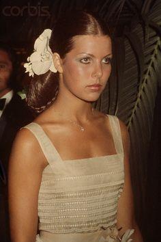 Young Caroline of Monaco (320×480)