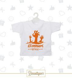 MINI T-SHIRT AUTO #minitshirt #tshirt #auto #accessori #car #accesories #napoli #napoletano #arancio #morte #cimitero #halloween #zombie #morti #white #handmade #italia  Codice: MTN017 Prezzo: 5,00€ Spedizione: 1,00€  Per prenotare la tua Mini T-Shirt contattaci in privato o all'indirizzo email info@decoutique.it Personalizza la tua Mini T-Shirt con lo stile più adatto a te. Affidati a noi per la tua proposta grafica!