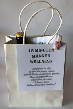 Huhu ihr lieben.     Heute ist mal wieder der Adventskalender von meinem Freund dran. Ich habe eine 15 Minuten Männer Wellness Tüte gemacht...