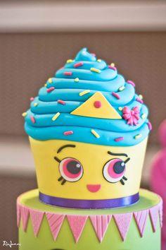 Shopkins cupcake queen birthday cake Facebookcomsugarontopcakes