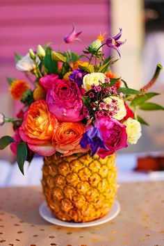 A Caribbean Birthday Dinner!- A Caribbean Birthday Dinner! I imagine the pineapple arrangement like this though maybe a little less colourful :] - Summer Flower Arrangements, Summer Flowers, Floral Arrangements, Table Arrangements, Pineapple Vase, Pineapple Flowers, Birthday Dinners, Birthday Parties, Diy Birthday