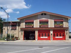 Chicago Fire Department - Engine 106 Truck 13 Ambulance 48