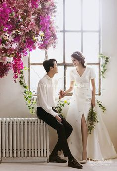 As you may appreciate, wedding photos are very important for newly married couples. Elegant and All Natural 37 Korean Wedding Photos to Make Marriage Plans Next Summer Wedding Photography Poses, Wedding Poses, Wedding Shoot, Wedding Couples, Wedding Bride, Wedding Dresses, Hair Wedding, Photography Ideas, Married Couples