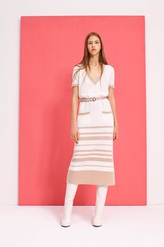 The complete Agnona Resort 2017 fashion show now on Vogue Runway. Fashion 2017, New York Fashion, Runway Fashion, Fashion Show, Fashion Design, Paris Fashion, Fashion Trends, Chic Outfits, Fashion Outfits
