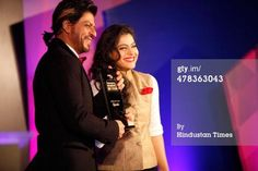 Shah Rukh Khan and Kajol at the Hindustan Times Mumbais 'Most Stylish Awards 2014' pic.twitter.com/O7sWCAhJJS