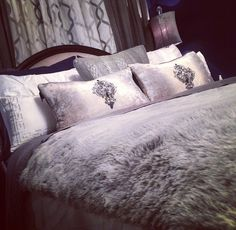 Love this bedding set. So romantic ❤️ Dream Bedroom, Home Bedroom, Master Bedroom, Bedroom Decor, Bedroom Ideas, Home Pictures, Beautiful Bedrooms, Amazing Bedrooms, Luxury Home Decor