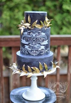 Chalkboard Wedding Cake - perfection!