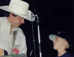 George and Bubba Strait Country Singers, Country Music, George Strait Family, Top Country, King George, American Singers, Handsome, Fan, Artists