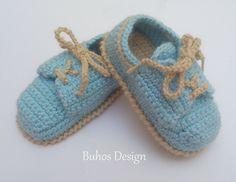 Zapatos tipo nauticos de bebé crochet de Buhos-Designs por DaWanda.com