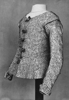 Waistcoat in pink taffeta embroidered with blue silk and spangles, 1610-1620 ~ blackwork pattern