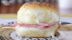 When isn't it a good time to serve baked ham and Swiss sliders? Funeral Sandwiches with Poppy Seed Sauce are the perfect appetizer for a large crowd, but you can also make them for lunch or a snack for yourself and your family. Ham And Swiss Sliders, Ham Sliders, Cuban Sliders, Funeral Sandwiches, Wrap Sandwiches, Roast Beef Sandwich, Soup And Sandwich, Honey Baked Ham, Baking With Honey