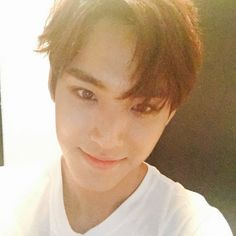 imagine boyfriend mingyu sending this selfie to you bc you miss him and he wanted to cheer you up