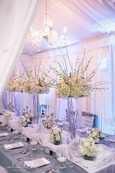 Wedding centerpieces are one of the key positions of the wedding decor. The most impressive, of course, are the floral wedding centerpieces. Wedding Show, Mod Wedding, Blue Wedding, Floral Wedding, Wedding Flowers, Dream Wedding, Trendy Wedding, Elegant Wedding, Romantic Flowers