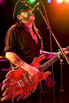 Motorhead, Lemmy Kilmister with the Minarik Inferno bass guitar, 2009.