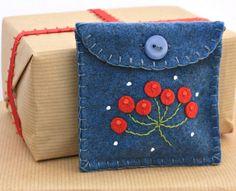 Items similar to Christmas gift bag, Small felt purse, Felt coin purse, Blue felt gift  pouch with holly berries, Jewellery bag, Handmade felt case. on Etsy