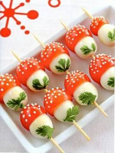 If you want to emphasize on creative and interesting touch , then look at our easy and fun appetizers and snacks recipes. Every kids party needs a fun and Cute Food, Good Food, Yummy Food, Healthy Food, Food Decoration, Best Appetizers, Appetizer Ideas, Party Appetizers, Ladybug Appetizers
