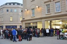 Iqueued all night ipad launch