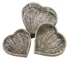 Heart Shaped Rattan Baskets - set of three Straw Weaving, Paper Weaving, Basket Weaving, Willow Weaving, Newspaper Basket, Paper Magic, Rattan Basket, Paper Straws, Christmas Art