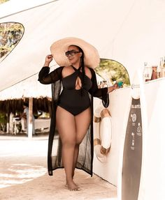plus size fashion Moda praia plus size: v - fashion Women's Plus Size Swimwear, Swimwear Sale, Curvy Swimwear, Plus Size Maxi, Plus Size Bikini, Plus Size Skirts, Plus Size Outfits, Thick Girl Fashion, Plus Size Fashion For Women