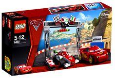 Lego Cars 2 World Grand Prix Racing Rivalry. To czas międznarodowego wyścigu Grand Prix w Corsa Porta we Włoszech. Zbuduj zestaw i pomóż Zygzakowi pokonać jego rywala - Francesco!