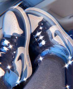 Cute Nike Shoes, Cute Sneakers, Nike Air Shoes, Sneakers Nike, Jordan Shoes Girls, Girls Shoes, Jordan Shoes Wallpaper, Sneakers Wallpaper, Nike Wallpaper