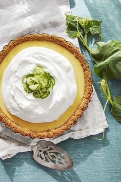 The addition of cucumber in this Key lime pie recipe makes it ultra refreshing. In fact, it might just become your new favorite version of the classic pie. Best Summer Desserts, Healthy Fruit Desserts, Just Desserts, Delicious Desserts, Dessert Recipes, Yummy Food, Summer Treats, Yummy Yummy, Easter Dinner Recipes