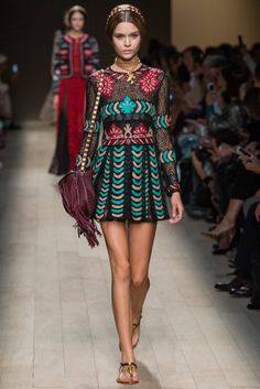 I LOVE THIS!!! A Fashion Opera: Valentino Spring 2014 Collection | Popbee - a fashion, beauty blog in Hong Kong.