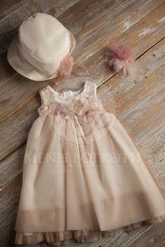 Μένη Ρογκότη - Βαπτιστικά ρούχα για κορίτσι της Vanessa Cardui