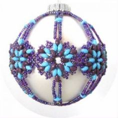 Snowflake Ornament Cover Pattern--free tutorial--(snowflake pattern found under 2 hole beads earrings--PH)