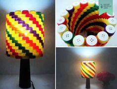 Lámparas hechas con materiales reciclados para la casa.