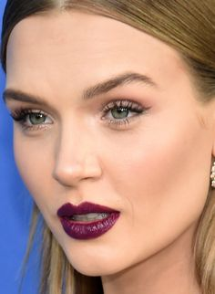 Close-up ofJosephine Skriver at the 2018 CFDA Fashion Awards.