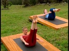 ▶ Pilates : abdos et fessiers - YouTube