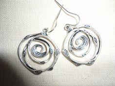 Orecchini di argento d'epoca stile tribale di TammysFindings