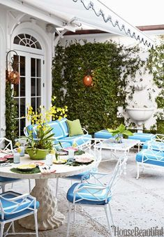 One thing I love about Palm Beach design is that it always embraces its playful side, providing a whimsical escape amongst the sunshine and sea breeze. People aren't afraid to be original her…