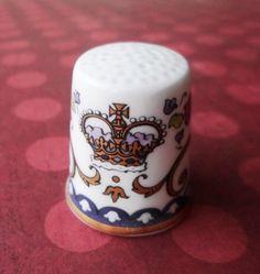 Dé à coudre en porcelaine, rapporté par DaddyAma de leur voyage en Ecosse http://aziliz-creation.alittlemercerie.com