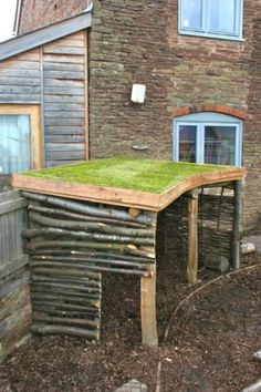 A nursery garden den with turf roof You are in the right place about simple Goat playground Here we offer you the most beautiful pictures about the Goat playground you are looking for. Outdoor Learning Spaces, Kids Outdoor Play, Kids Play Area, Childrens Play Area Garden, Children Play, Preschool Garden, Sensory Garden, Garden Playhouse, Diy Garden Toys