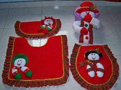 vestido baño navideño Christmas Decorations, Holiday Decor, Bathroom Sets, Gingerbread, Mickey Mouse, Merry Christmas, Crafts, Home Decor, Angel