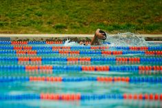 Triathlete contributor and swimming all-star Sara McLarty provides a workout for you to take to the pool this weekend. Swimming Coach, Swimming Tips, Keep Swimming, Swimming Fitness, Pool Workout, Swim Workouts, Water Workouts, Workout Tips, Swim Training